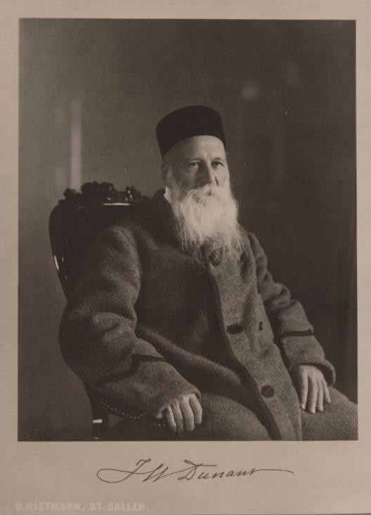 Mit seinem Buch «Un souvenir de Solférino» legte Henri Dunant den Grundstein für die Gründung des Internationalen Komitees vom Roten Kreuz (IKRK) 1863. Bild: Otto Rietmann, St. Gallen. (Bild: © Schweizerisches Nationalmuseum)