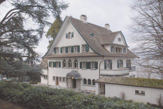 Wädenswil, Villa Grünenberg mit Parkanlage. Ansicht von Süden. Zustand nach der Renovation, März 2013.