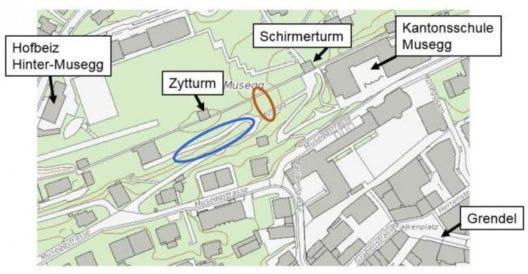 """Blau eingezeichnet: Hier wird im Herbst 2017 die Stützmauer saniert (Auf Musegg 1 """"OST"""") / Orange eingezeichnet: Diese Stützmauer wurde im Herbst 2016 saniert (Museggstrasse 24) (Karte: Geoinformation Kanton Luzern/Bearbeitung: Stadt Luzern)"""