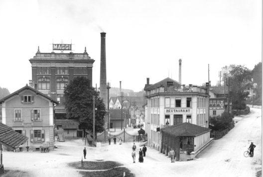 Fabrikeingang, 1909 (Bild: © Archiv Givaudan)