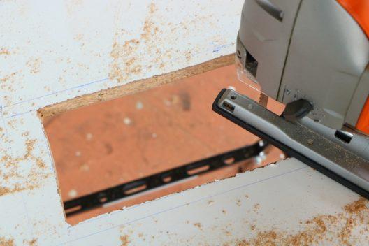 Moderne Tauchsägen erlauben exaktes Arbeiten. (Bild: AMLbox - shutterstock.com)