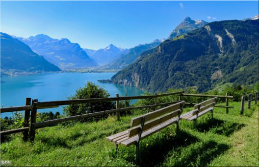 Weg der Schweiz zwischen Seelisberg und Bauen (Bild: © Hans Peter Bruder)