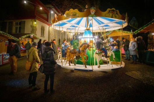 Ein Highlight des Wiehnachtsmärts: Das alte Karussell (Bild: Museum Aargau / Pascal Meier)
