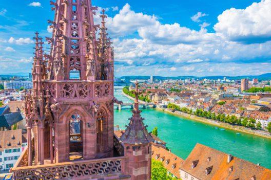 Basel - bei Straftaten in der Schweiz leider vorn (Bild: trabantos - shutterstock.com)