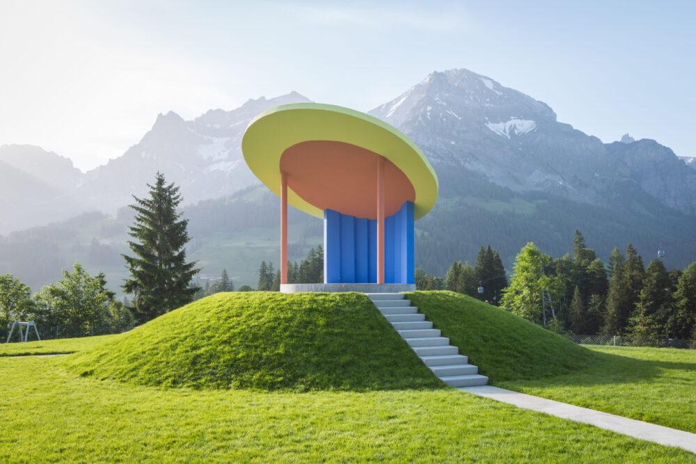 Der rekonstruierte Musikpavillon thront wieder über der Badeanlage und ist vielfältig nutzbar. (Bild: David Bühler)