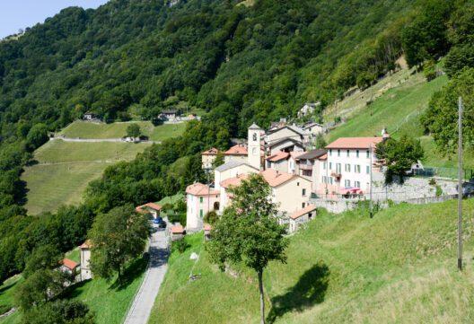 feature post image for Wie aus dem gesamten Tessiner Dorf Scudellate ein Hotel wird