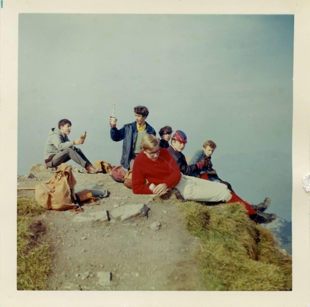 """""""Heimtag"""" 1968. Die Klasse der zweiten Knaben-Oberschule nahm auf der Schulreise den Weg auf den Brisen unter die Füsse. (Bild: Fotograf/in unbekannt)"""